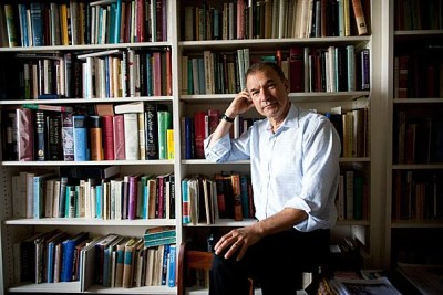 Shakespeare scholar Stephen Greenblatt addressed the comforts of tragedy at the Cambridge Public Library.