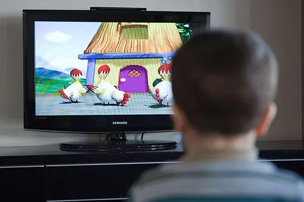Over the course of a long-term study, each additional hour of television viewing was associated with seven fewer minutes of sleep daily, with the effects appearing to be stronger in boys than in girls. The study followed more than 1,800 children ages 6 months to 8 years old.