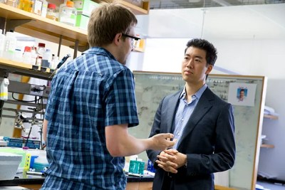"""""""We hope this approach to protein delivery will help connect where genome editing is now to where the field needs to be in order to realize the therapeutic potential of these proteins to address genetic diseases,"""" said David Liu (right), a professor of chemistry and chemical biology. Liu and a team of researchers, which included John Zuris (left), have already demonstrated that the technology can be used to modify genes in living animals."""
