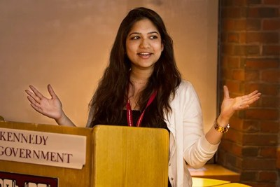 The Cordeiro Family Undergraduate Research Fellowship for Global Health and Health Policy has funded undergraduate research projects for more than 100 students. At a recent gathering of fellows, Ishani Premaratne (photo 1) described her study of the way women in Chiapas, Mexico, perceive health care and its value. Aubrey Walker (photo 2) focused his research project on health reform at a prison in Colombia. During an informal discussion, Christina Nguyen (left, photo 3) and Annika Nielsen discussed their research projects with other Cordeiro fellows.