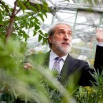 With support from Harvard President Drew Faust's Climate Change Solutions Fund, Patterson Rockwood Professor of Energy Daniel Nocera and colleagues created an efficient method to harness the power of light to generate two powerful fuels.