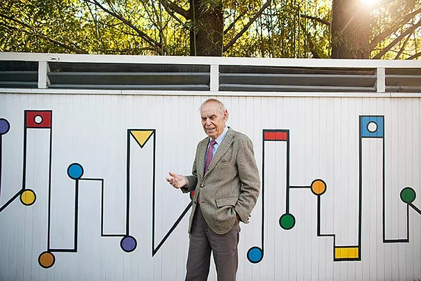 Mallinckrodt Professor of Physics and Professor of the History of Science, Emeritus Gerald Holton is pictured in his Cambridge home. He first arrived at Harvard in 1943. Stephanie Mitchell/Harvard Staff Photographer