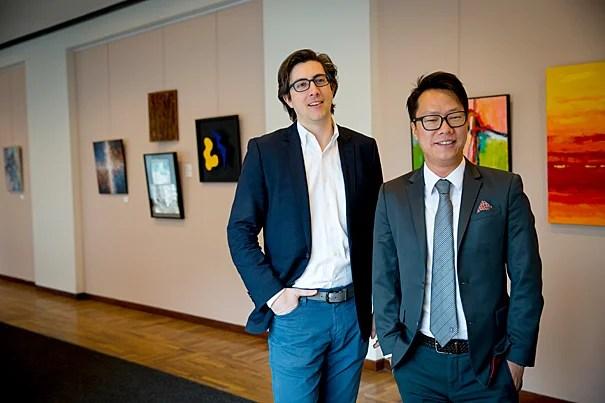 艾什民主治理与创新中心中国项目主任康义德(左)和研究员魏沛然勾勒了中国大陆前100名慈善家的捐赠行为。该研究不仅涵盖他们的身份和财产,还研究慈善家们来自哪些行业、捐赠数额、对象和地域。