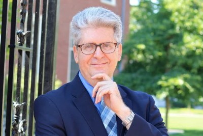 "Harvard Professor Fernando Reimers based ""Empowering Global Citizens: A World Course"" on a rigorous curriculum to help students understand globalization."