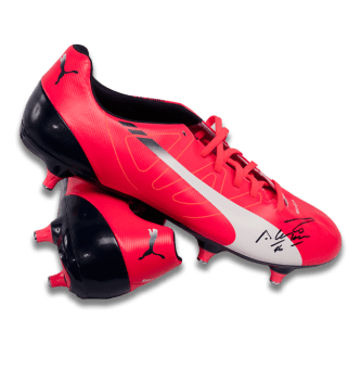 sergio-aguero-signed-puma-pink-football-boot