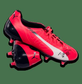 sergio-aguero-signed-puma-pink-football-boot