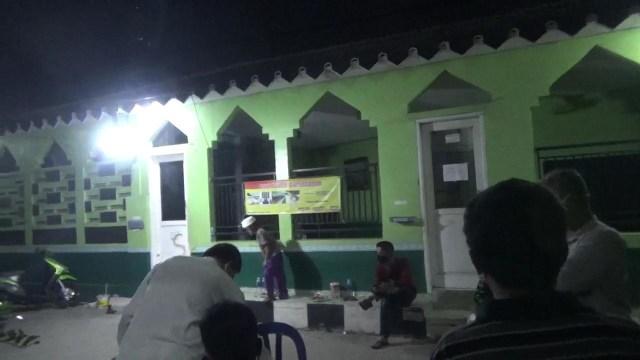 Musala di Tangerang yang dicorat-coret dibersihkan