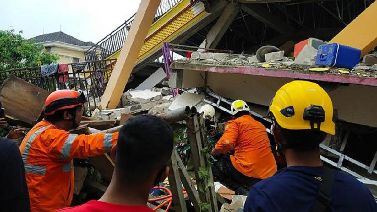 Potret Pilu Gempa Sulbar Luluhlantakkan Majene-Mamuju