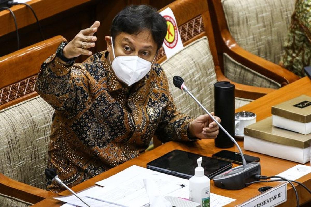 Menkes Sebut Kasus Covid-19 di 2 Provinsi Turun Usai Nakes Dapat Vaksinasi
