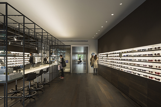 Isabel L 243 Pez Vilalta Designs The Optical Store Of Ulloa In