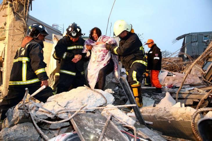 Число жертв землетрясения в южной части Тайваня увеличилось до 108 человек