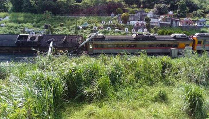 Тайвань, Хуалянь: поезд сошел с рельс, есть раненые