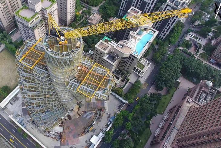 Завершено строительство «мохнатого» небоскреба