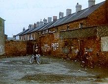 Falls_Road_area,_Belfast_1981