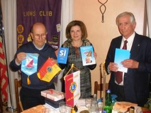 Il fondatore del SERMIG Ernesto Olivero, la presidente Emanuela Pastorelli e il Presidente del Lions Club Casale Monferrato Host Giuseppino Coppo