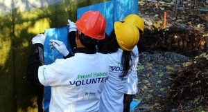 "Holiday ""Giving Back"" Guide: Habitat for Humanity"