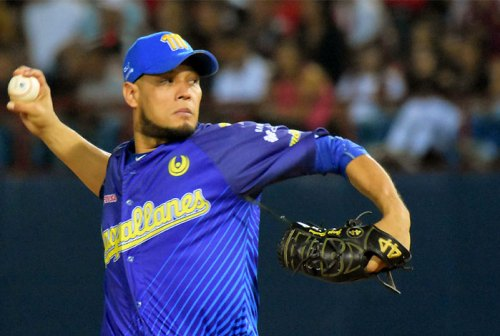 Yohan Pino encaminó al Magallanes al primer triunfo de la semifinal