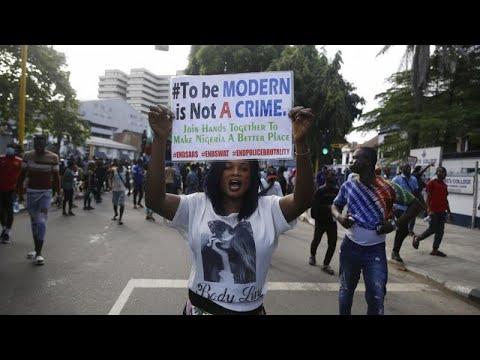 Νιγηρία: Διαδηλώσεις ενάντια στην αστυνομική βία