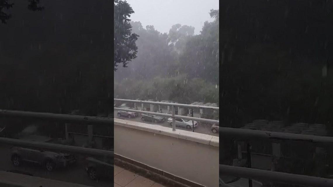 Έντονη κακοκαιρία σε πολλές περιοχές – Βροχές, χαλάζι και πλημμυρισμένοι δρόμοι 3