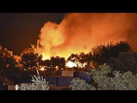 Μεγάλη πυρκαγιά στο ΚΥΤ της Σάμου
