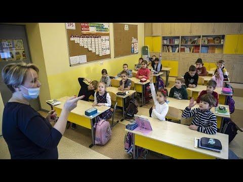 Πολωνία, Ρωσία, Ιταλία: Επιστροφή στα θρανία για κάποιους μαθητές…