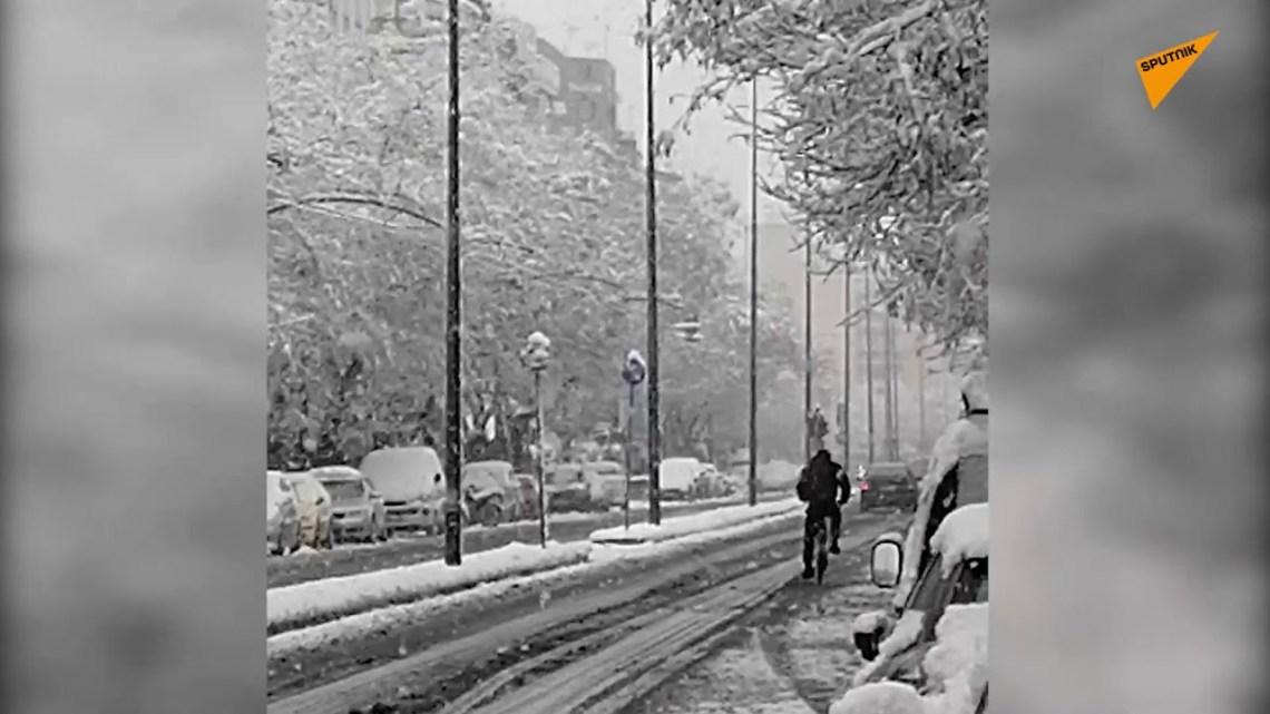 Ποια κακοκαιρία; Οι πολίτες κάνουν σκι και ποδήλατο