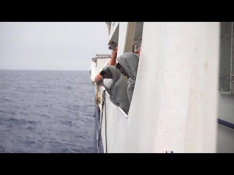 Περισσότεροι από 600 μετανάστες διασώθηκαν το τελευταίο 48ωρο στη Μεσόγειο…
