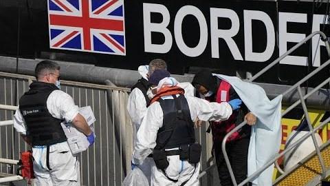 Γαλλικά «πυρά» κατά Λονδίνου για τις μεταναστευτικές ροές…