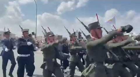 Η στρατιωτική παρέλαση της 1ης Οκτωβρίου στη Λευκωσία