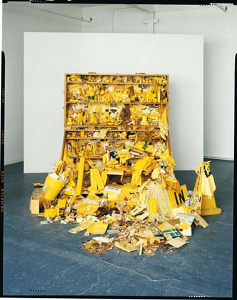 Robin Klassnik, Yellow Postal Sculpture, 1973.