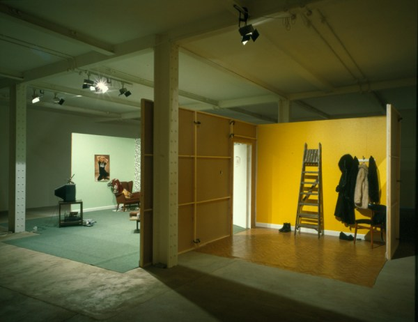 Graham Fagen, Peek-A-Jobby, installation shot at Matt's Gallery, 1998