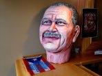 A papier mache bust of political prisoner Oscar López-Rivera rests on a ledge in the home of Oscar's niece, Lourdes Lugo. (Rebekah Frumkin/MEDILL)