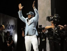 No. 4 pick Ezekiel Elliot makes a grand entrance on stage and is headed to the Dallas Cowboys. (Hannah Gebresilassie/MEDILL)