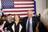 Sanders and his wife Jane O'Meara Sanders greet supporters at Chicago's Navy Pier. (Jess Martinaitis/Medill)