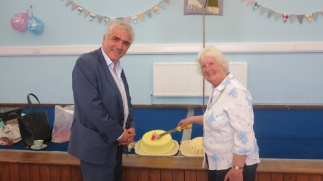 Cllr Stephen Alambritis with resident, Jean Marshall