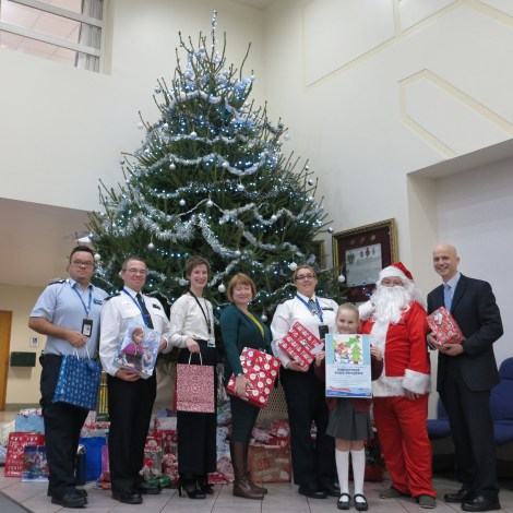christmas-police-present-appeal-group