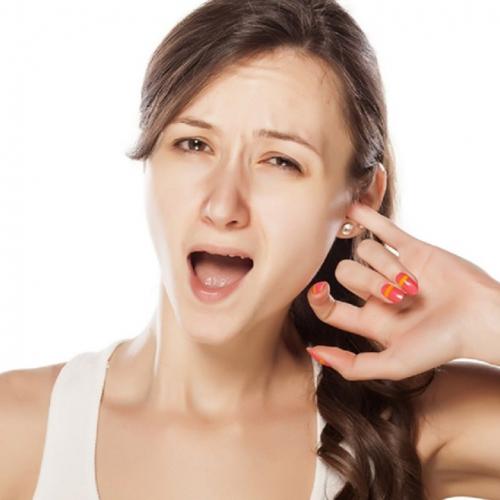 Шесть проблем с ушами, которые могут сигналить об опасных ...
