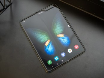 UTG glass on the Galaxy Fold 2 to be thinner than human hair