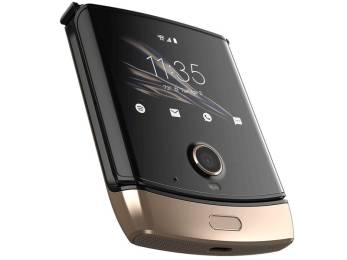 Motorola RAZR stunts in new photos, shows off an amazing gold finish