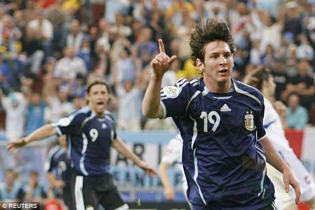 Lionel Messi - Germany 2006 - Scoring Against Serbia and Montenegro
