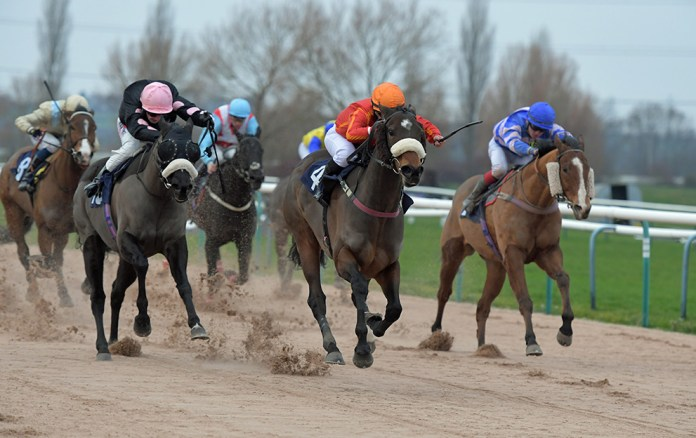 Southwell-all-weather-racing