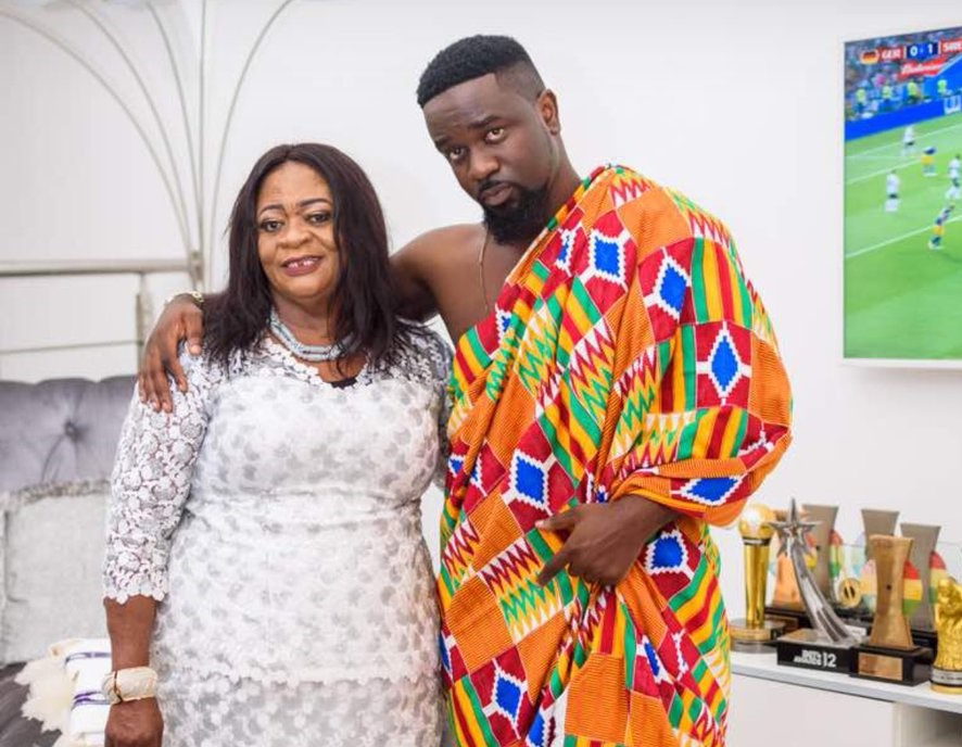 Pictures of Sarkodie, Jackie Appiah, and Lil Win with their mothers 3