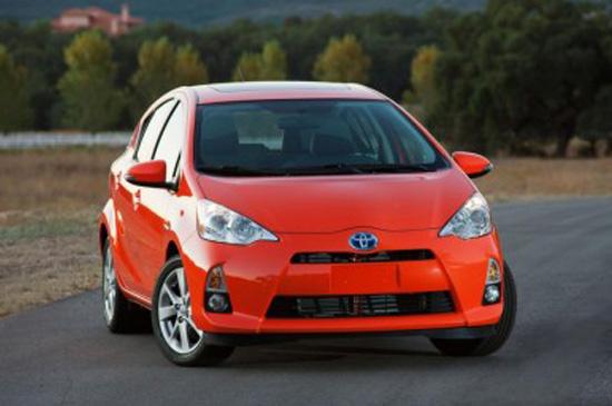 โตโยต้า พรีอุส ซี Toyota Prius C 2012 ราคาเริ่มต้นที่ 18,900 เหรียญสหรัฐฯ พร้อมขายมีนาคมนี้