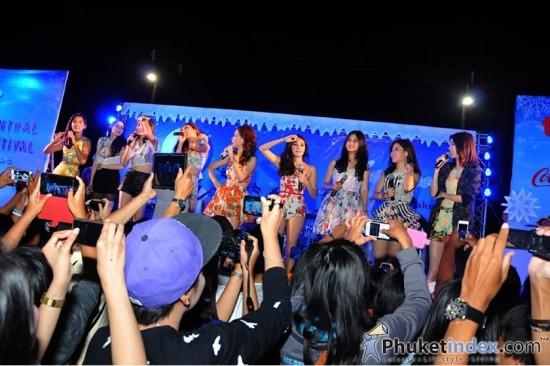 """สุดยอดคอนเสิร์ตส่งท้ายปี """"Central Festival Phuket North Pole"""" (Day 1)"""
