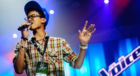"""""""น้องนนท์"""" เด็กม.4 จากภูเก็ต วัย 16 ปี ประเดิม The Voice คนแรกของประเทศไทย"""
