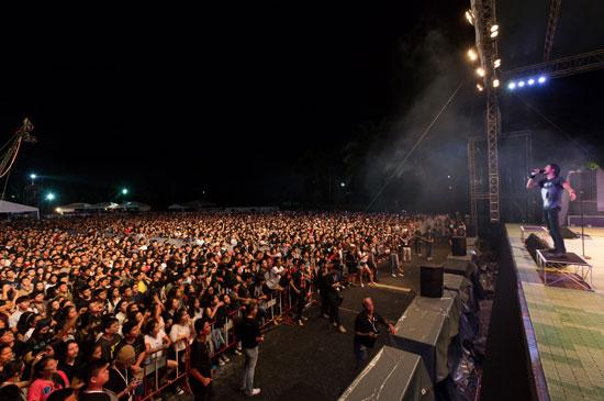 ลากูน่าภูเก็ต พรีเซ็นต์ บอดี้สแลม แชริตี้คอนเสิร์ต 2015