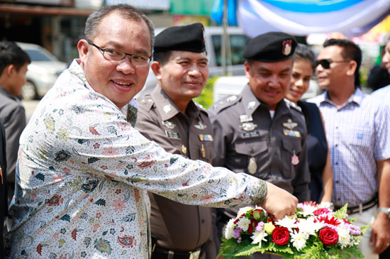 นายกฯฉลอง เข้าร่วมพิธีเปิดป้ายที่ทำการสถานีตำรวจภูธรฉลอง