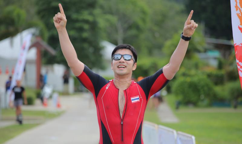 """'เจมส์' เรืองศักดิ์ ลอยชูศักดิ์ ร่วมแข่งขันไตรกีฬารายการ """"ธัญญปุระ ไตรแดช ภูเก็ต 2018"""" ณ ธัญญปุระ รีสอร์ทสุขภาพและกีฬา"""
