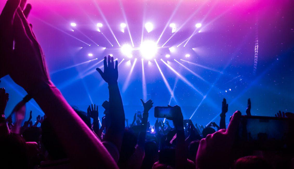 concertgoer_tickets