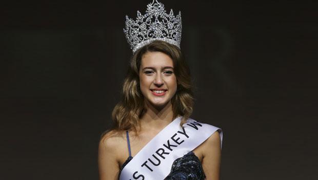 «Мисс Турция» угрожает  тюрьма из-за твита оперевороте